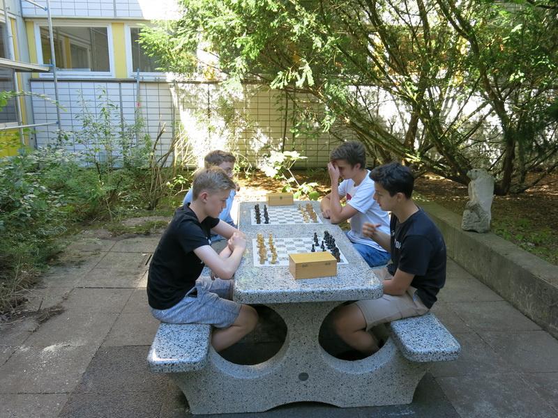 Innenhof in neuem (Schach-) Glanz