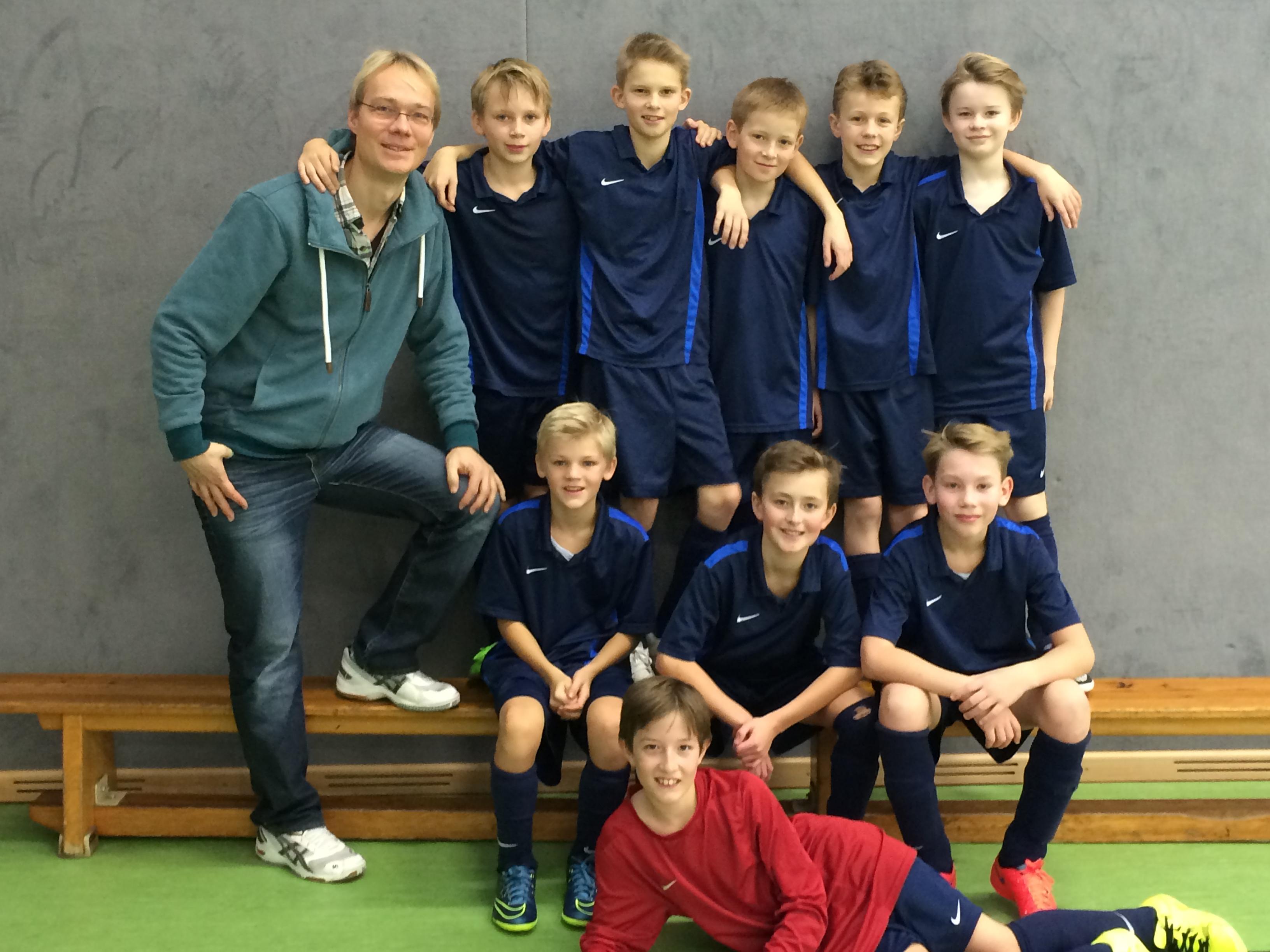 Jungen Klasse 5 2. Runde Uwe-Seeler-Pokal 14.1.2016